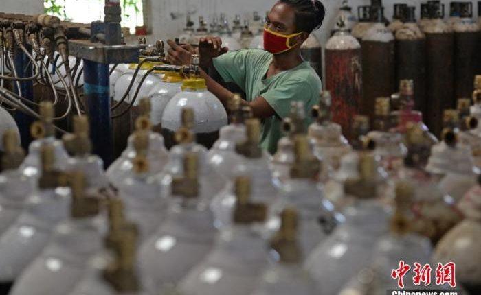 医院拒收病人、患者黑市买药……印度疫情令人心碎