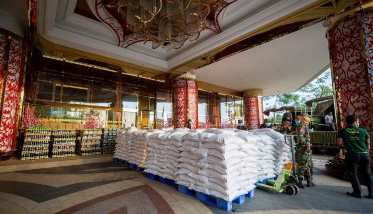金界爱心捐十万美元粮食予金边市政府 齐心援助疫区受困家庭4