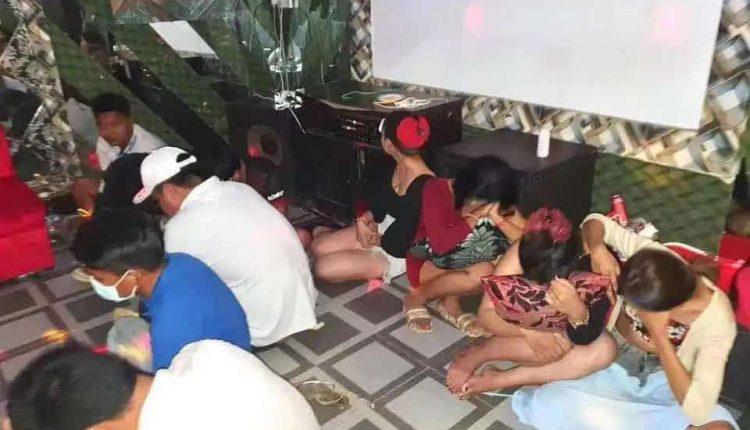 马德望26人聚众饮酒、吸毒被扣