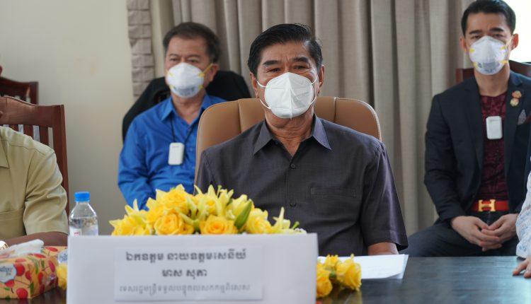 广东惠州市侨联携手柬华理事总会、林氏宗亲总会捐助防疫物资助力柬政府抗击疫情 (2)