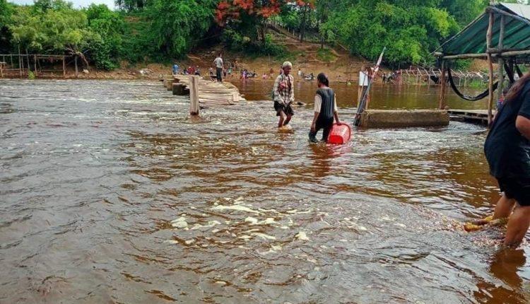 马德望城佳河水质被污染 (3)