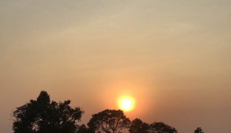 图2巴肯山落日