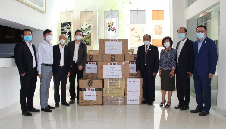 多个社团、企业向柬中友协捐赠防疫物资 (2)