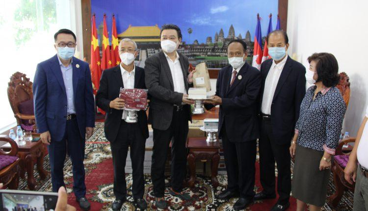 多个社团、企业向柬中友协捐赠防疫物资 (4)