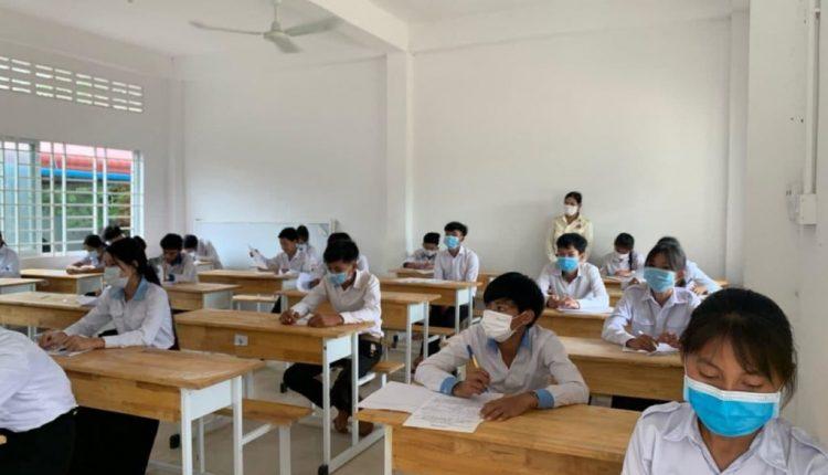 私立学校可自行安排6年级、9年级毕业考试