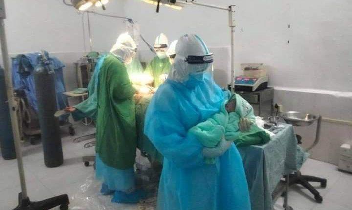 波罗勉省一名确诊孕妇成功分娩