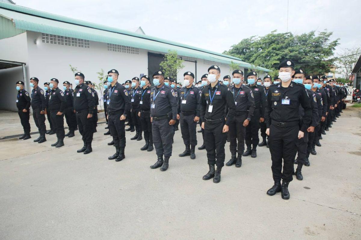 金边警局出动上千警员维护治安