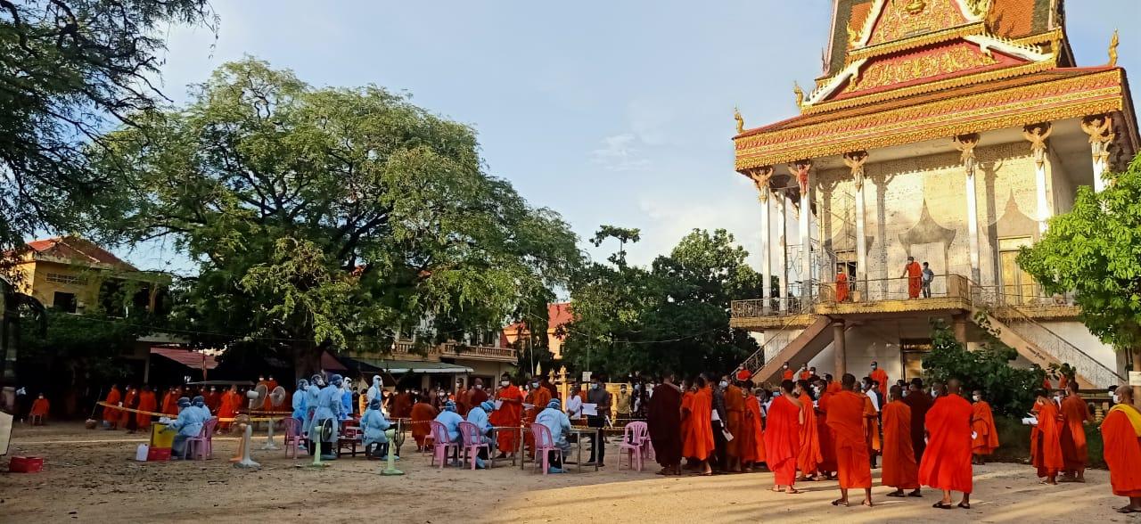 金边151个寺庙将进行大规模采样检测